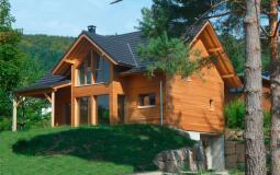 Construction du modèle Tilleul avec bardage en bois naturel sur Osenbach